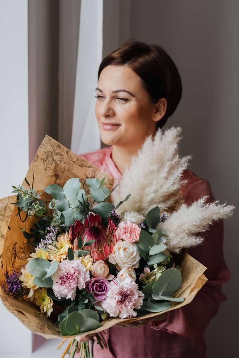 woman_flowers